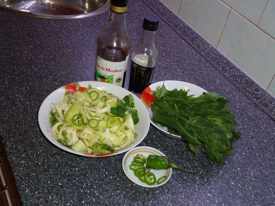 Добавила зелёный горький перец